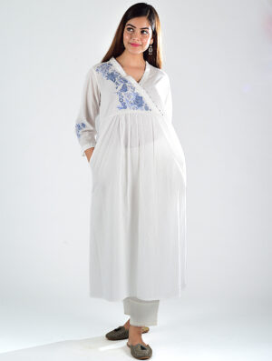 Dharan-Khari-White-Embroidered-Overlap-Kurta